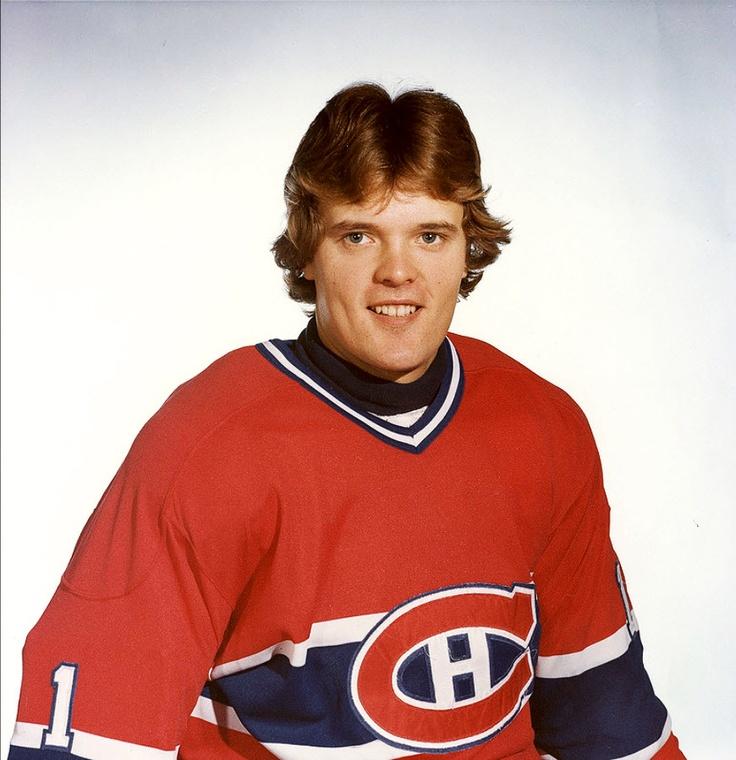 Rick Wamsley : Réclamé au troisième tour du repêchage de 1979 par les Canadiens de Montréal alors qu'il évolue pour les Alexanders de Brantford de l'Association de hockey de l'Ontario, Rick Wamsley devient dès la saison suivante joueur professionnel alors qu'il rejoint le club affilié aux Canadiens dans la Ligue américaine de hockey, les Voyageurs de la Nouvelle-Écosse. Appelé à disputer cinq rencontres avec Montréal en 1980-81, il évolue la saison suivante sur une base régulière avec…