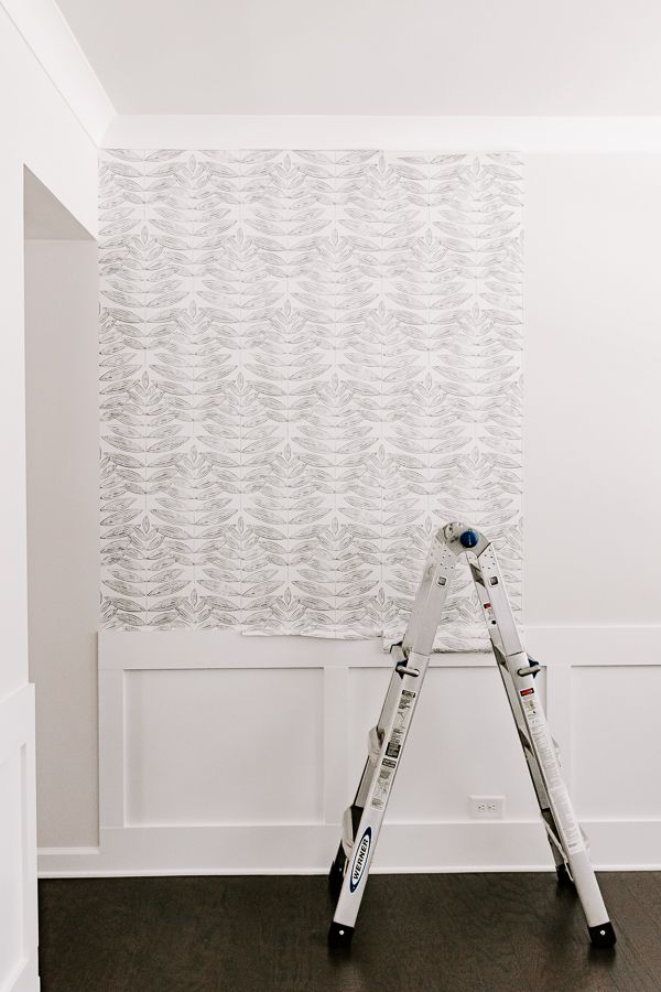 7 Tips For Applying Peel And Stick Wallpaper In 2021 Peel And Stick Wallpaper Sticky Wallpaper Budget Friendly Decor