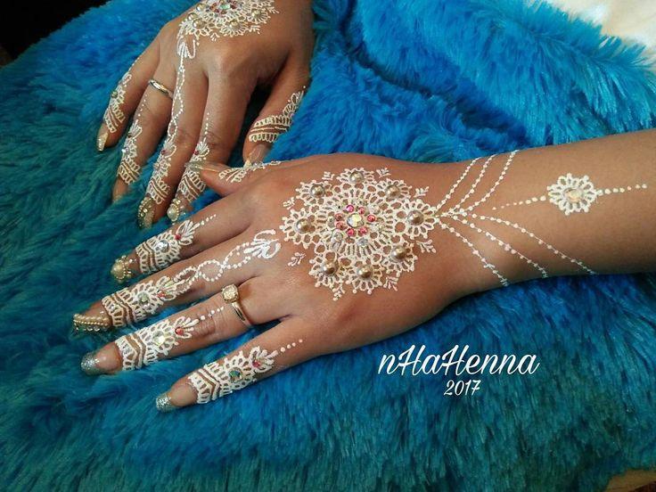 White henna Wedding @ilaanabilla  Bbm : D4F6A92F Id Line : nheyne19 WA / ☎: 085265511228  #henna #nhahennajanuari17 #nhahenna2017 #nhahenna #hennapekanbaru #hennaartispekanbaru #hennatattoo #hennaart #henna❤ #Pekanbaru #infopekanbaru #infowedding #pkuwedding #weddingpku #wedding #hennawhite #whitehenna #nailfake #fakenails #bridalhenna #bridal #hennabridal #carihenna #hennapenganten #inaipenganten #inai #whitehenna #hennawhite