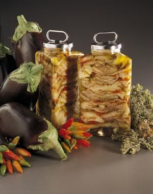 Italian-Style Pickled Eggplant Recipe (Melanzane sott'aceto): Pickled eggplant in glass jars