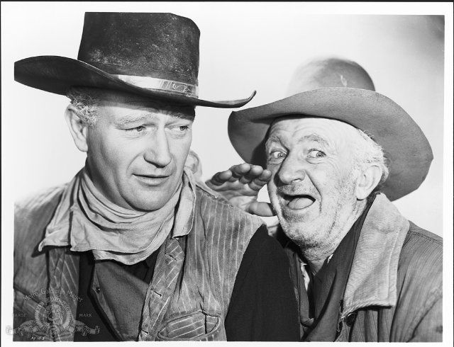 Still of John Wayne and Walter Brennan in Red River (1948)