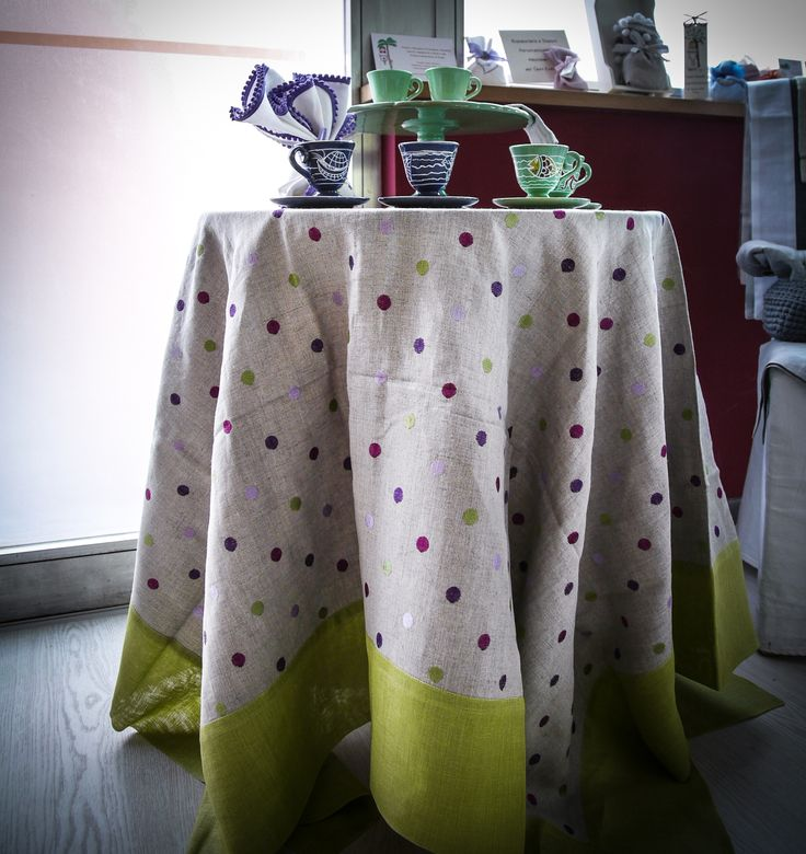 Green and Beige table linen