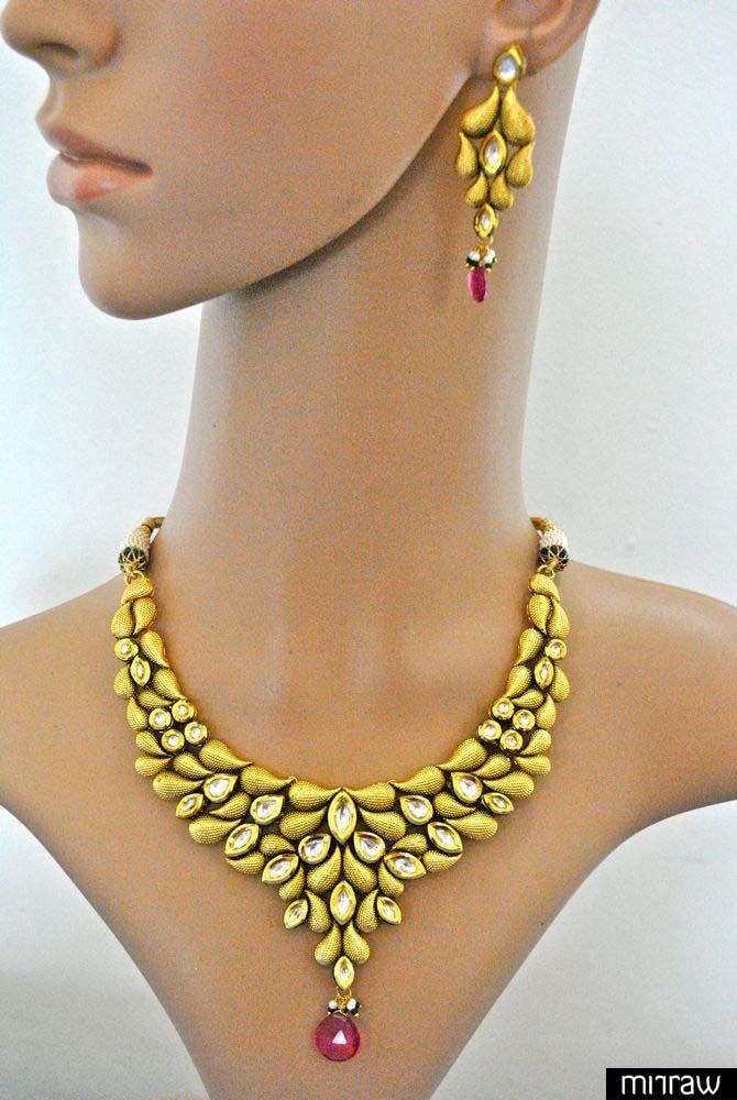 Gorgeous kundan set in gold