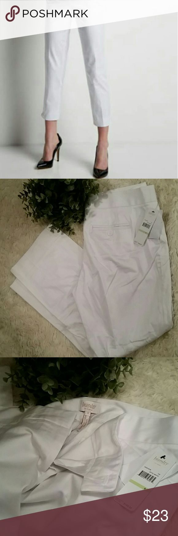LAUNDRY SHELLI SEGAL / NWT Nordstrom white capri NWT  LAUNDRY by Shelli Segal Size 4 but could fit a 6 too From Nordstrom  Straight Leg Capri Style They do need to be ironed or steamed :/ Laundry By Shelli Segal Pants Capris