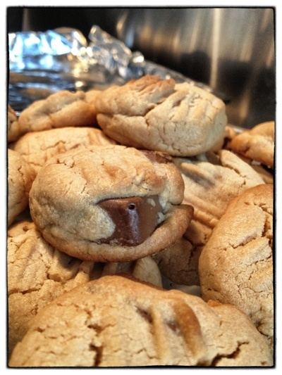 Peanut butter & Wispa cookies
