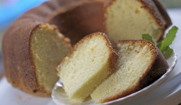 Moist Whipping Cream Pound Cake Recipe | Divas Can Cook