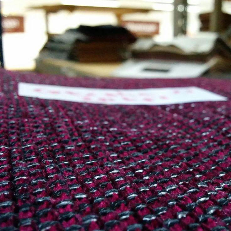 Geisha-kangas leikattavana ✂ | Geisha fabric under cutting process ✂ #pohjanmaan #pohjanmaankaluste #käsintehty
