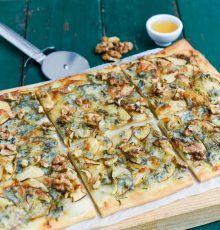 Pizza met appel en gorgonzola