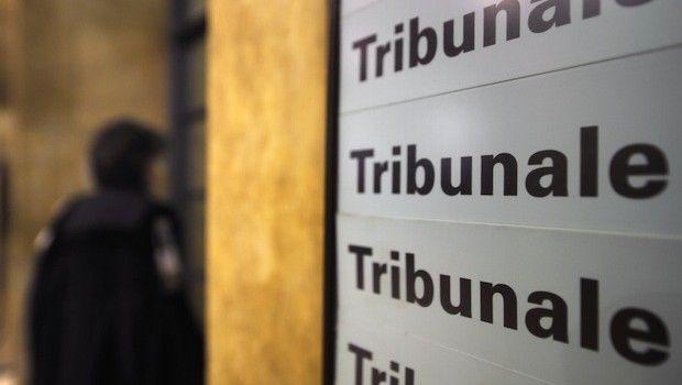Napoli: 36enne picchia l'ex moglie incinta in tribunale