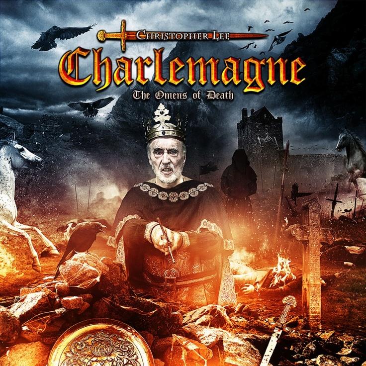 Mas esse Christopher Lee é danado mesmo, hein!  Photos | Charlemagne Productions Ltd
