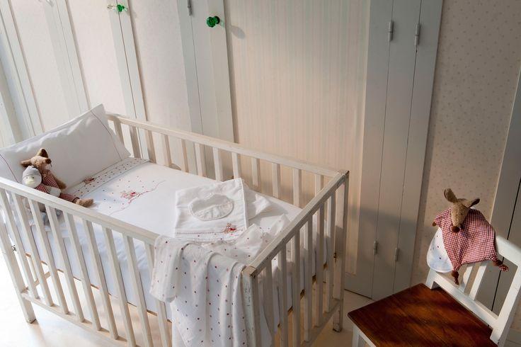 My perfect room #texturainteriors #texturababy #habitación #babyroom #bebé #cuna #cot #perfectplace #rojo #red
