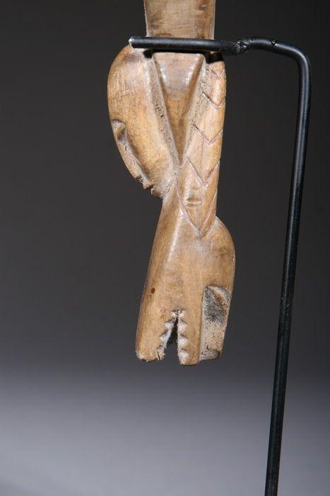 Lance pierre Baoulé