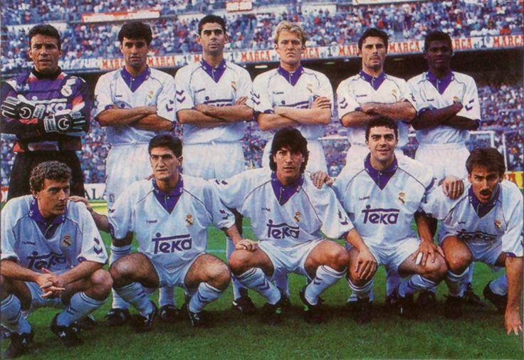 REAL MADRID 1993-94-De pie, de izquierda a derecha: Buyo, Michel, Hierro, Prosinecki, Alkorta, Vitor. Agachados, en el mismo orden: Butragueño, Lasa, Zamorano, Sanchís y Martín Vázquez.