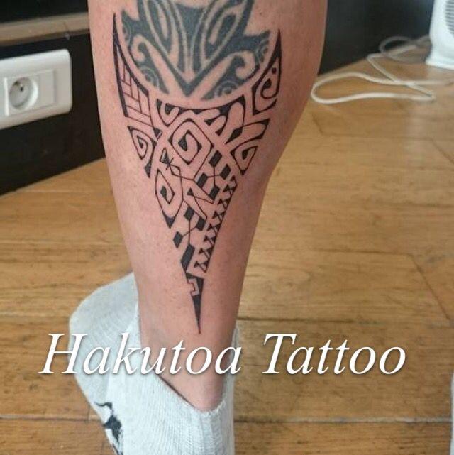 tatouage homme sur mollet hakutoa tattoo pinterest tatouage homme mollet et tatouages. Black Bedroom Furniture Sets. Home Design Ideas