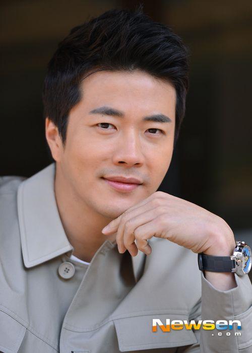 Kwon Sang Woo!!  korean actors 2013 most popular (11)
