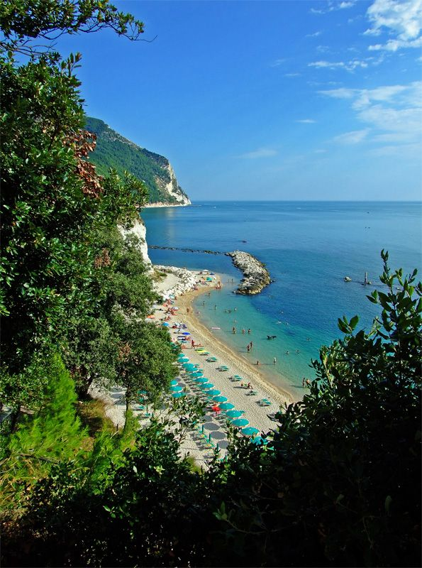 Looking for uncrowded beach?  Urbani Beach, Le Marche Italy