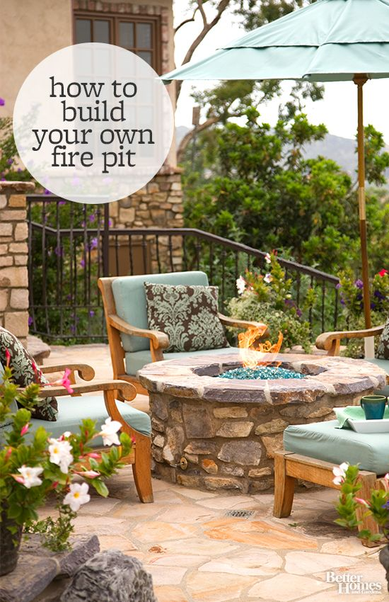 Update your backyard with a DIY fire pit. We love this idea from a Better Homes and Gardens!