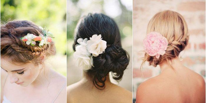 Yaz aylarında sımsıkı topuzlar yerine, gelin saçınızı dağınık topuz modellerinden yaptırmanız rahat etmenizi sağlayacaktır.
