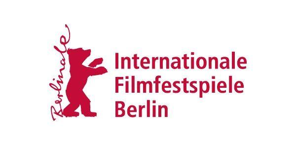 Inviti alle proiezioni per i rifugiati, progetti umanitari, messaggi di tolleranza, l'accoglienza ai migranti al centro del Festival del Cinema di Berlino