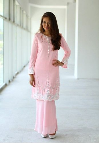Baju Kurung Moden from Sweetheart in Pink Chiffon Silk Baju Kurung by Sweetheart Fashion features lace design with bead and gem embellishments. Kurung top - Chiffon Silk - Round neckline with slit - Front hook fastening - Long sleeves Kurung bottom - Chiffon Silk - Mermaid silhouette - Lined... #bajukurung #bajukurungmoden