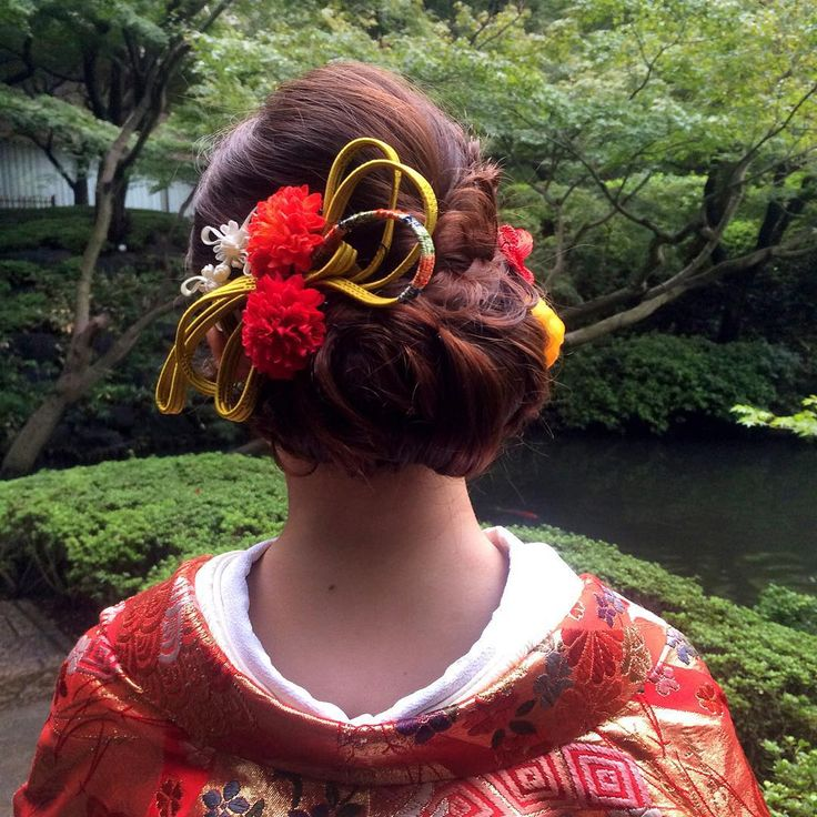 "37 Likes, 1 Comments - marina.yamaguchi (@kotonayamari) on Instagram: ""白無垢、色打掛、引き振袖。 たくさんの中から大切な日の為に☺︎ 友人はお式がドレスだから 和装で前撮り☺︎ 花嫁さまだけの衣装☺︎ #髪型#bridal#BRIDAL#bridalhair…"""