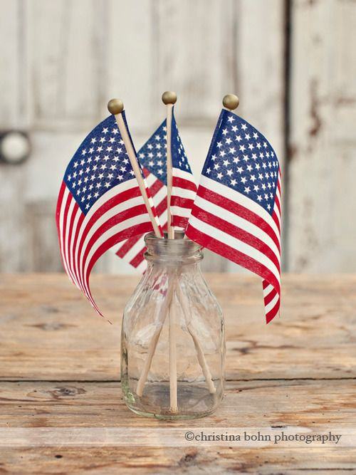 simple and easy patriotic table decor