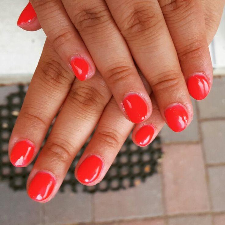 #coral #summernails #gelnails #shortnails