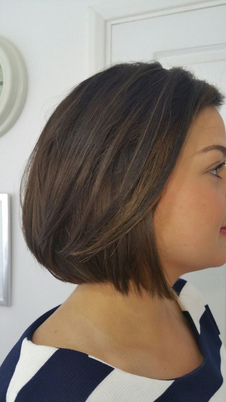 Beautiful contour blended highlights on and sophisticated bob @tina