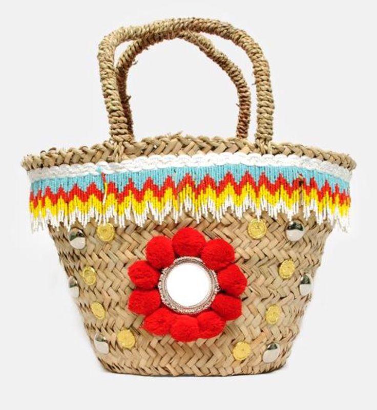TRADITION❤️ Le borse sono una diversa dall'altra intrecciate a mano secondo la tradizione siciliana artigiana di un tempo, poi vengono decorate. Io voglio che ogni pezzo sia unico.