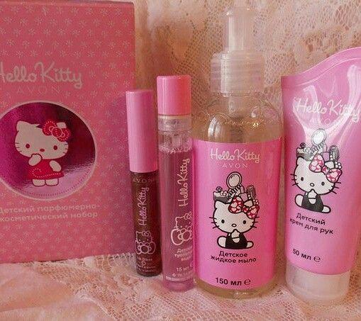 Детский парфюмерно-косметический набор Hello Kitty  Продукты разработаны специально для детей. Дерматологически протестированы. Набор содержит: - Детский блеск для губ с ароматом тутти-фрутти - Детская туалетная вода - Детский крем для рук - Детское жидкое мыло