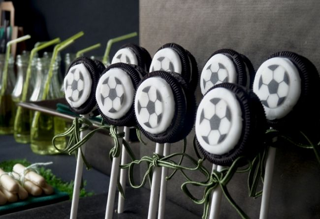 Football (Soccer) cookies on a stick and other cool football (soccer) party ideas