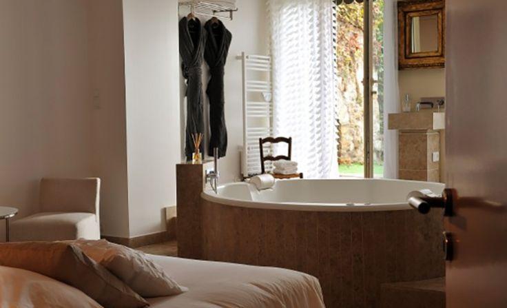 17 meilleures id es propos de hotel jacuzzi privatif sur pinterest hotel avec jacuzzi - Chambre romantique lyon ...