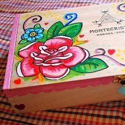DIY painted wooden cigar box. A simple, cheap and fun project!