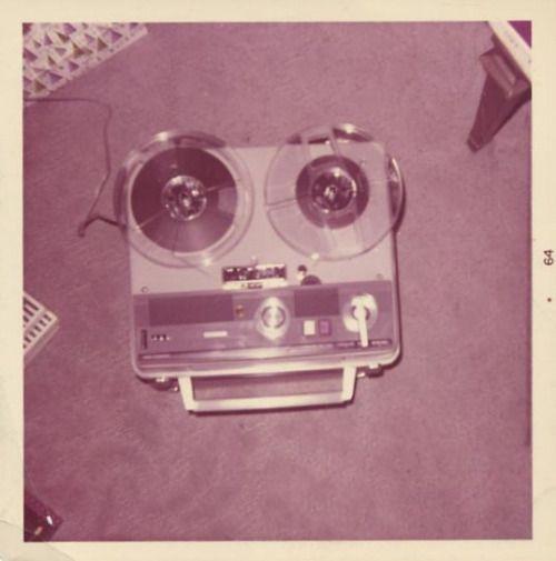 fifties-sixties-everyday-life:  1964