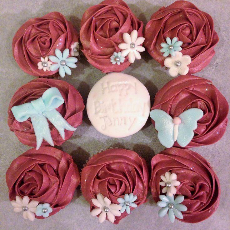 Simple vintage birthday cupcakes