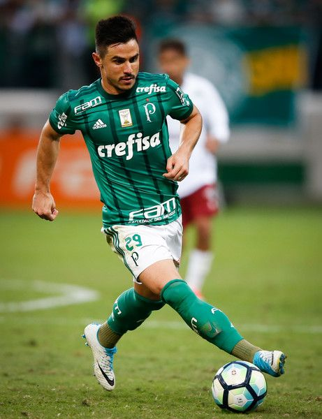 Willian of Palmeiras in action during the match between Palmeiras and Fluminense for the Brasileirao Series A 2017 at Allianz Parque Stadium on June 10, 2017 in Sao Paulo, Brazil.