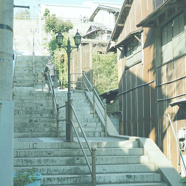 【masaharuuenaga】さんのInstagramをピンしています。 《浦路地シリーズ。 階段の上には資料館があります。 . 撮影日:2017.1.1 -- #わりと地元の鞆の浦 #広島 #鞆の浦 #福山 #ぶらり旅 #海 #発見 #OMD #omdem5markii  #instatrip #instatravel  #igersjp #japan_of_insta  #photo_shorttrip #reminiii_fan #travel #we_japan #love_nippon #tokyocameraclub  #ptk_japan #風景 #カメラ #旅に行きたい #プチ旅行 #写真撮ってる人と繋がりたい  #写真好きな人と繋がりたい #ファインダー越しの私の世界  #ファインダー越しの世界》