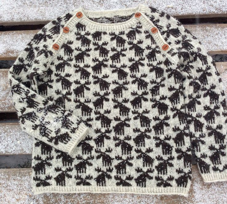 Ravelry: Moose Sweater by Lone Kjeldsen