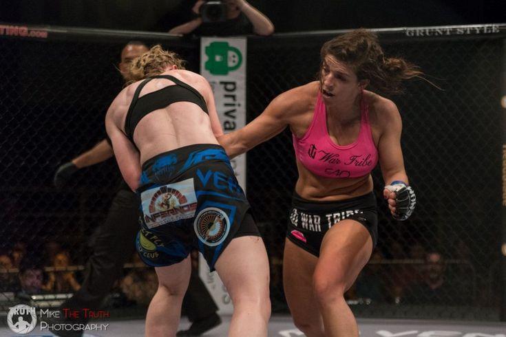 Vídeo: Campeã no Jiu-Jitsu, Mackenzie Dern vence mais uma no MMA http://www.graciemag.com/2017/03/13/video-campea-no-jiu-jitsu-mackenzie-dern-vence-mais-uma-no-mma/