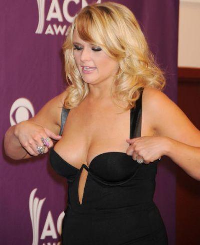 Miranda Lambert Height Weight