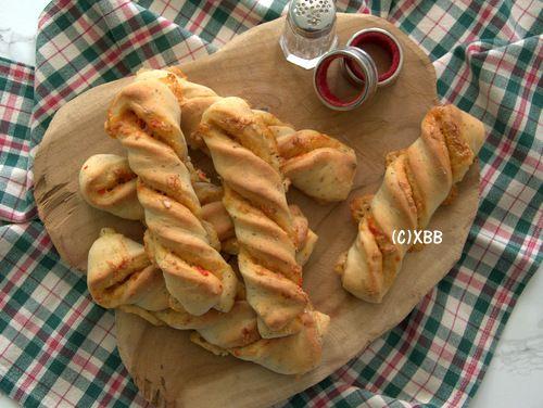 Pittige kaasstengels met Italiaanse kruiden - Xandra Bakt Brood