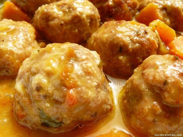 Receta de Albondigas a la salsa de cerveza https://es.pinterest.com/marifesolo/comidas-de-domingo/