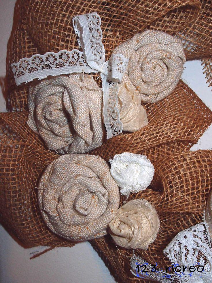 Fuori porta: #ghirlanda con fiori in stoffa e cuore di cartone - tutorial - come si fa un semplice #fiore con la stoffa da 123ricreo