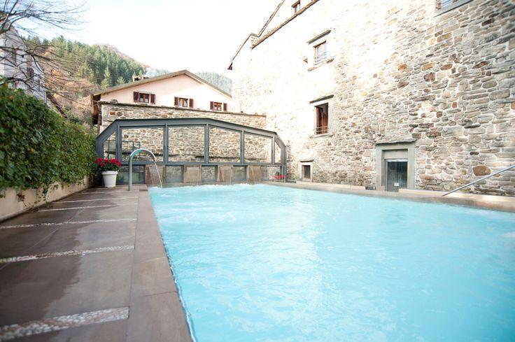L'hotel delle Terme Santa Agnese dispone di due piscine: una interna terapeutica e una esterna benessere con copertura di vetro,getti idromassaggio, nuoto controcorrente, cascate. #bagnodiromagna #terme #benessere #relax
