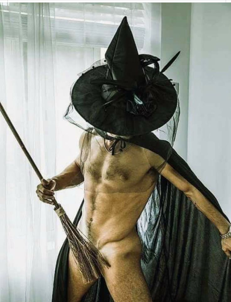 A Gay Man's Guide To Creating The Sexiest Halloween Costumegailyx