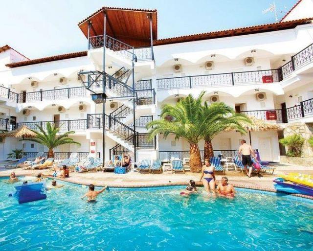 25% отстъпка за ранни записвания за лято 2014 в Гърция - хотел Гранд Виктория, Касандра, Халкидики. Настаняване на база нощувка със закуска и вечеря в Ханиоти, Касандра - хотел Grand Victoria.