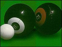 How to play Bowls. A Lawn Game played in Scotland.