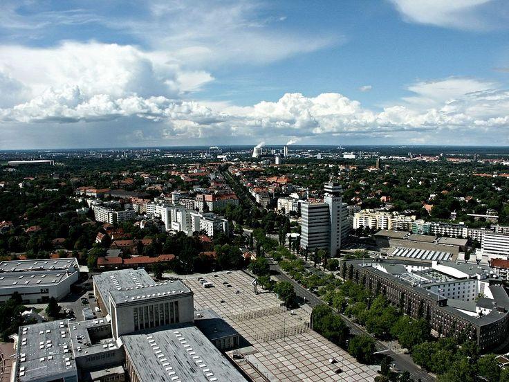Haus des Rundfunks und Theodor Heuss Platz vom Funkturm 2012