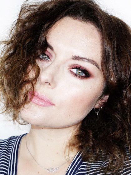 2. KatieJaneHughes: sie hat definitiv ein Händchen für dramatisches Augen-Make-up - love it! Dieser Look kommt mehr edgy rüber, very New York-ish. Auch hier wird viel Wert auf einen krassen Wimpernaufschlag gelegt, damit der Look nicht zu kitschig wirkt.