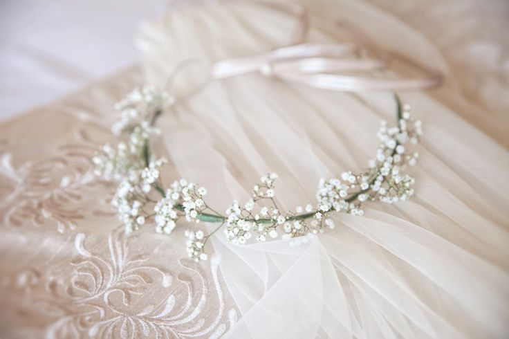 Gypsophila Flower Crown | Bridal Accessory | Classic Wedding | Outdoor Ceremony | http://www.rockmywedding.co.uk/alex-james/ | Images by Mckenzie Brown Photography.
